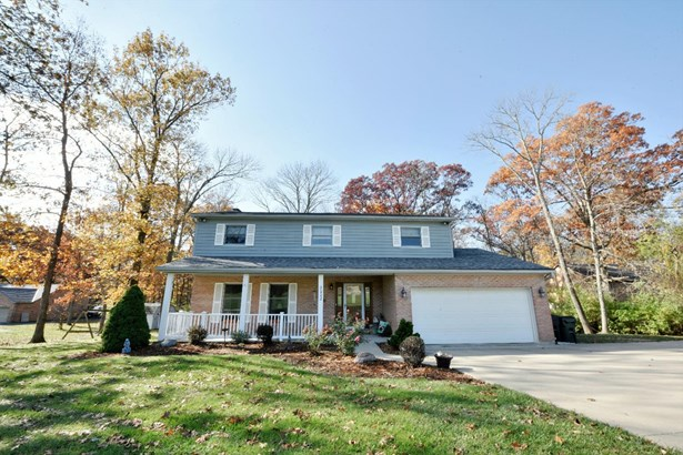 Single Family Residence, Colonial - Morgan Twp, OH (photo 1)
