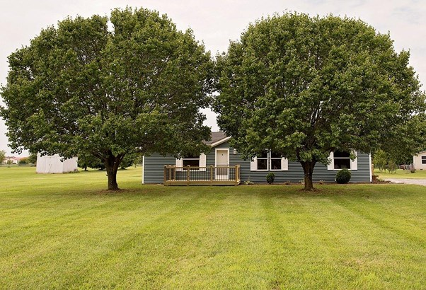 Single Family Residence, Traditional - Clark Twp, OH (photo 3)