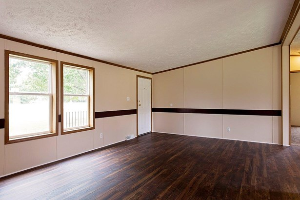 Single Family Residence, Traditional - Clark Twp, OH (photo 5)