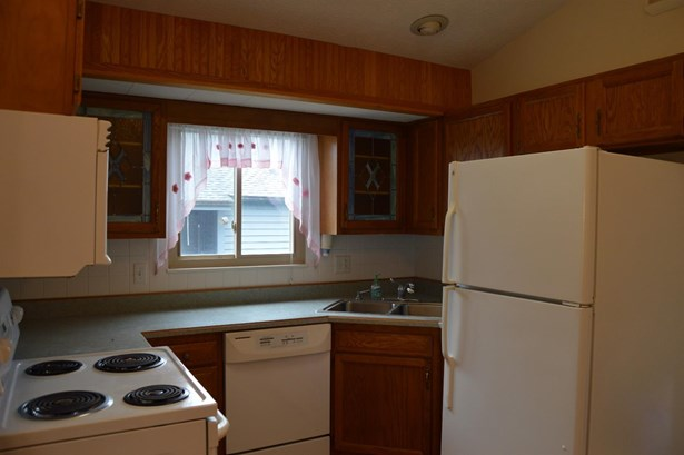 Condominium, Traditional - Union Twp, OH (photo 2)