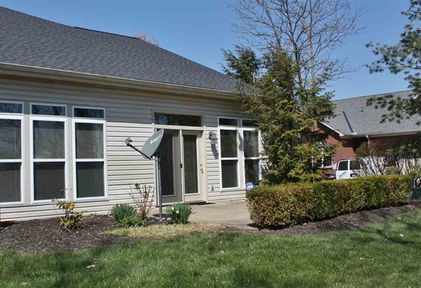 Townhouse,Single Family Attached, Traditional - Florence, KY (photo 2)