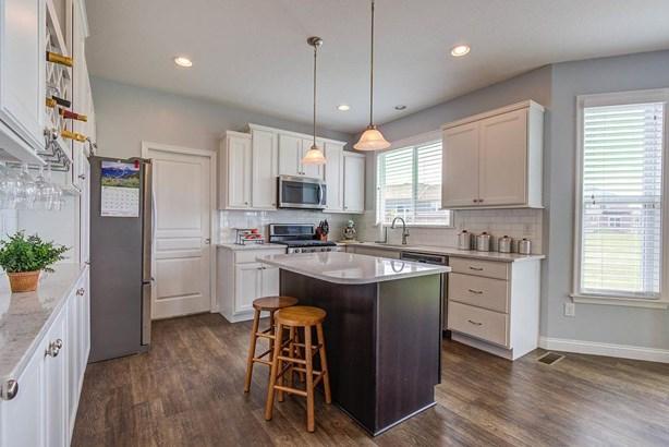 Transitional, Single Family Residence - Harrison, OH (photo 5)
