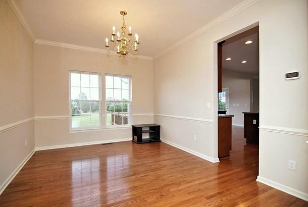 Transitional, Single Family Residence - Batavia Twp, OH (photo 3)