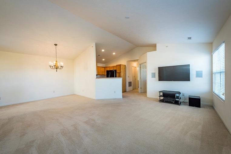 Transitional, Condominium - Monroe, OH (photo 5)
