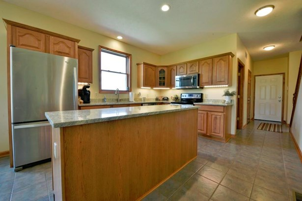 Single Family Residence, Traditional,Cape Cod - Morgan Twp, OH (photo 3)
