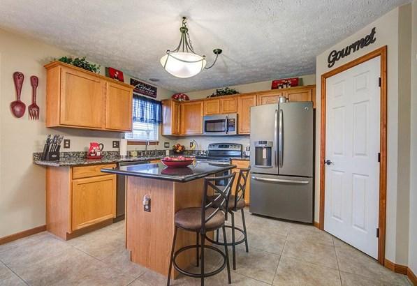 Single Family Residence, Traditional - Hanover Twp, OH (photo 4)