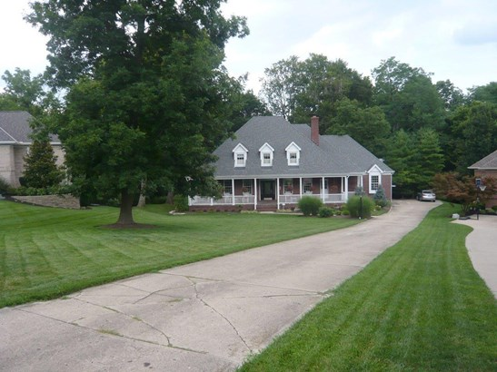Transitional, Single Family Residence - Madeira, OH (photo 2)