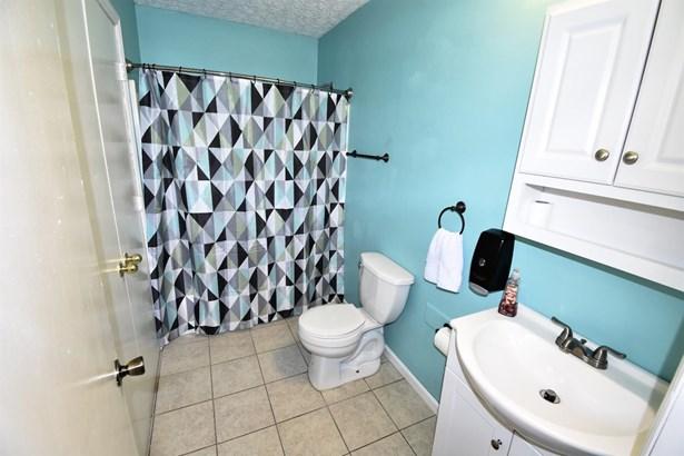 Single Family Residence, Ranch - Bethel, OH (photo 5)