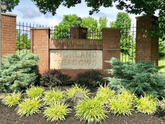 Condominium,Single Family Attached, Traditional - Highland Heights, KY (photo 2)