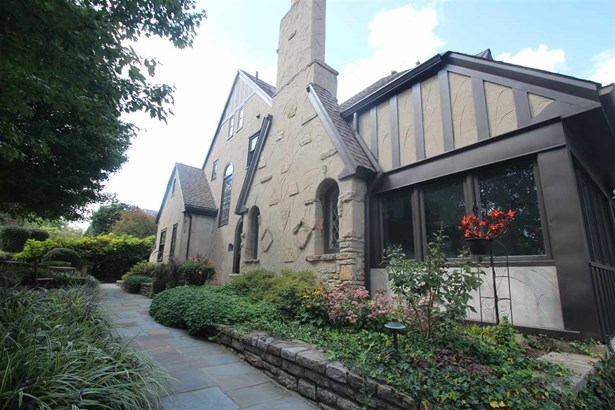 Single Family,Single Family Detached, Traditional,Tudor - Park Hills, KY (photo 1)