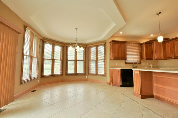 Single Family Residence, Traditional - Ross Twp, OH (photo 5)