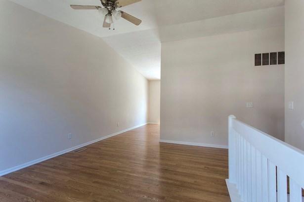 Transitional, Single Family Residence - Bethel, OH (photo 5)