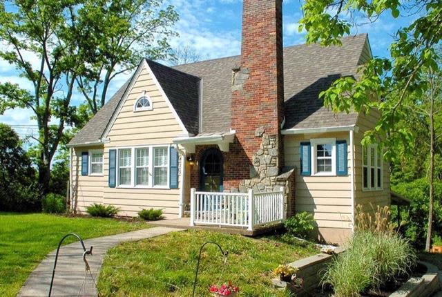 Cape Cod, Single Family Residence - Colerain Twp, OH (photo 1)