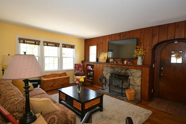 Cape Cod, Single Family Residence - Colerain Twp, OH (photo 3)