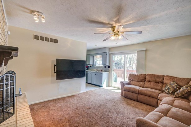 Single Family Residence, Ranch - Fairfield, OH (photo 5)