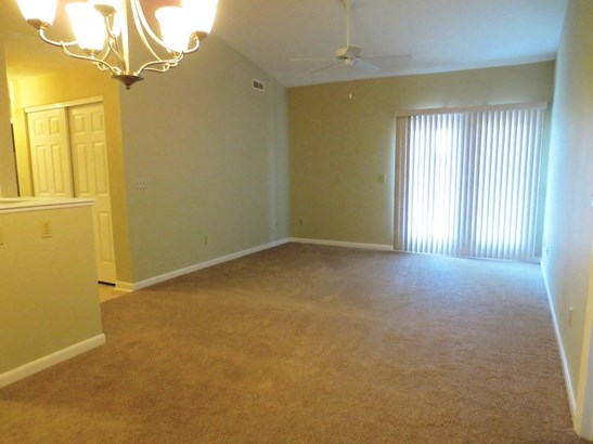 Transitional, Condominium,Lease/Rental Attached - Erlanger, KY (photo 4)