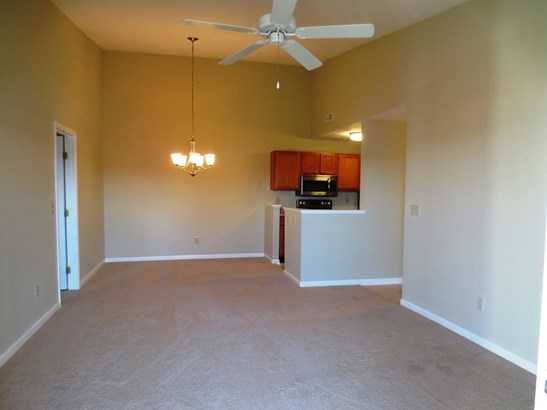 Transitional, Condominium,Lease/Rental Attached - Erlanger, KY (photo 5)