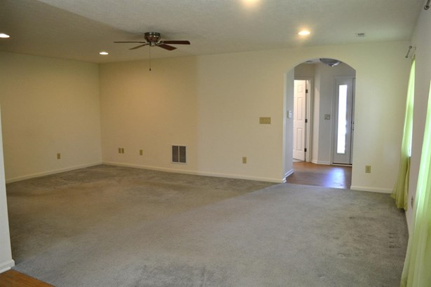 Ranch,Traditional, Single Family Residence - South Lebanon, OH (photo 4)