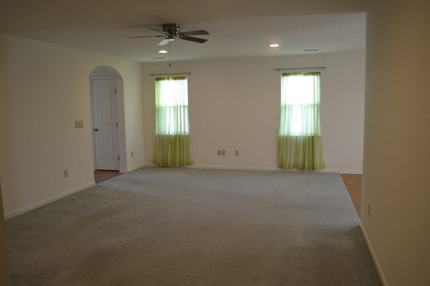 Ranch,Traditional, Single Family Residence - South Lebanon, OH (photo 5)
