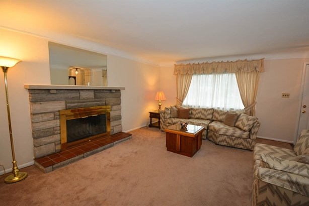 Single Family Residence, Ranch - Sycamore Twp, OH (photo 2)