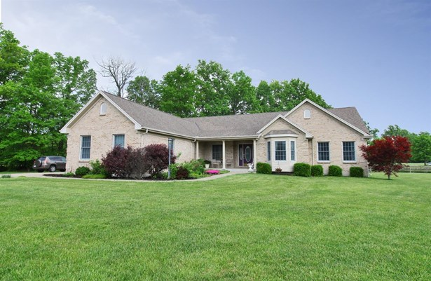 Single Family Residence, Traditional - Mt Orab, OH (photo 1)