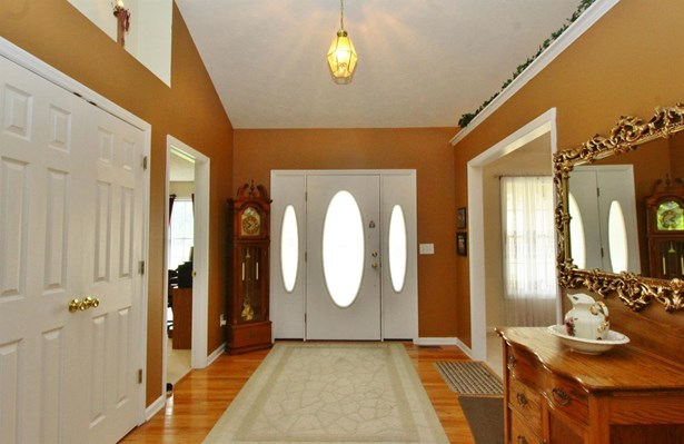 Single Family Residence, Traditional - Mt Orab, OH (photo 4)
