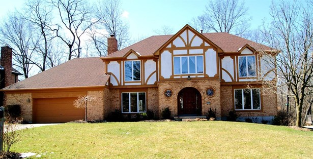 Transitional, Single Family Residence - Sycamore Twp, OH (photo 1)