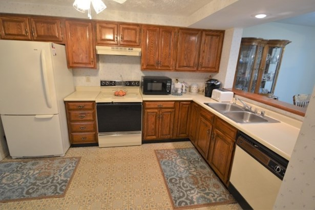 Townhouse,Single Family Attached, Traditional - Florence, KY (photo 3)