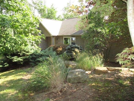 Transitional, Single Family Residence - Harrison Twp, OH (photo 1)