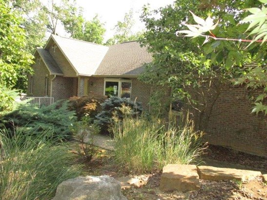Transitional, Single Family Residence - Harrison Twp, OH (photo 3)