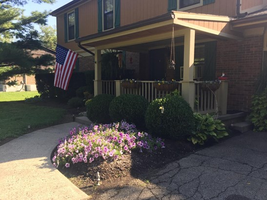 Single Family Residence, Traditional - Newtonsville, OH (photo 2)
