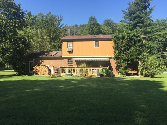 Single Family Residence, Traditional - Newtonsville, OH (photo 5)