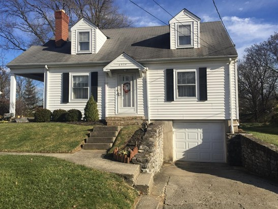 Cape Cod, Single Family Residence - North College Hill, OH (photo 1)