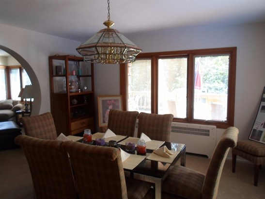 Single Family Residence, Contemporary - Green Twp, OH (photo 4)