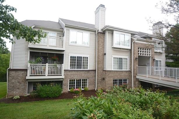 Condominium, Traditional - Colerain Twp, OH (photo 1)