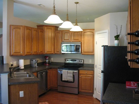 Condominium,Single Family Attached, Traditional - Ludlow, KY (photo 2)