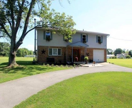 Single Family Residence, Traditional - Perry Twp, OH (photo 1)