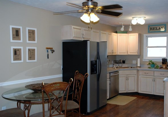 Single Family Residence, Traditional - Perry Twp, OH (photo 5)