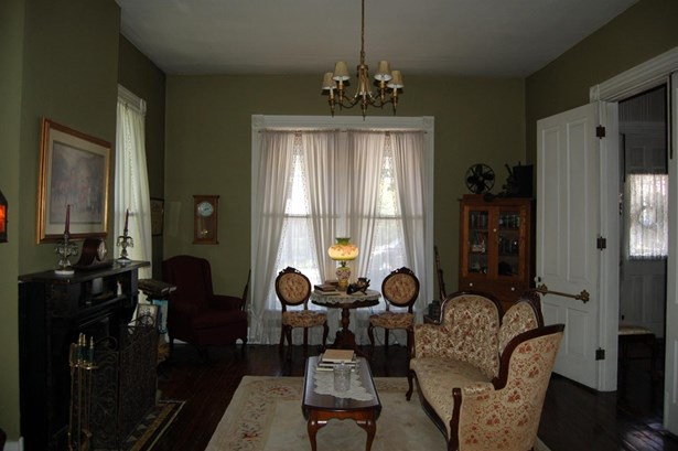 Single Family Residence, Traditional,Victorian - Ripley, OH (photo 5)