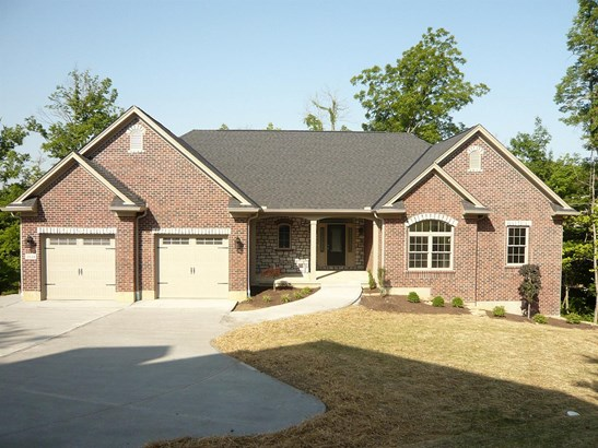 Ranch,Traditional, Single Family Residence - Miami Twp, OH