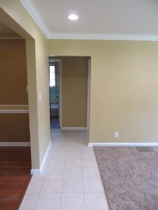 Cape Cod, Single Family Residence - Green Twp, OH (photo 4)
