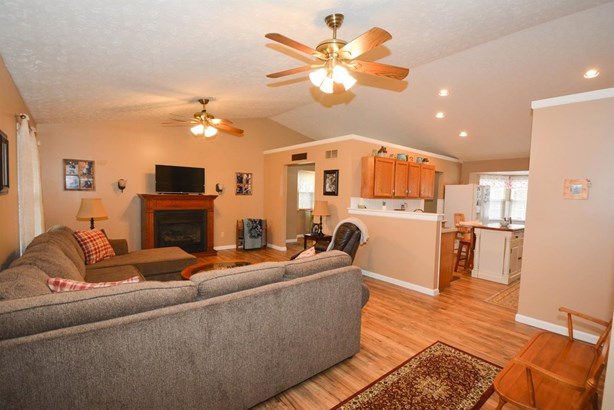 Single Family Residence, Ranch - Sterling Twp, OH (photo 3)