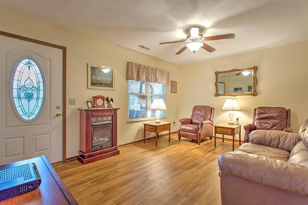 Ranch,Traditional, Single Family Residence - Tate Twp, OH (photo 2)