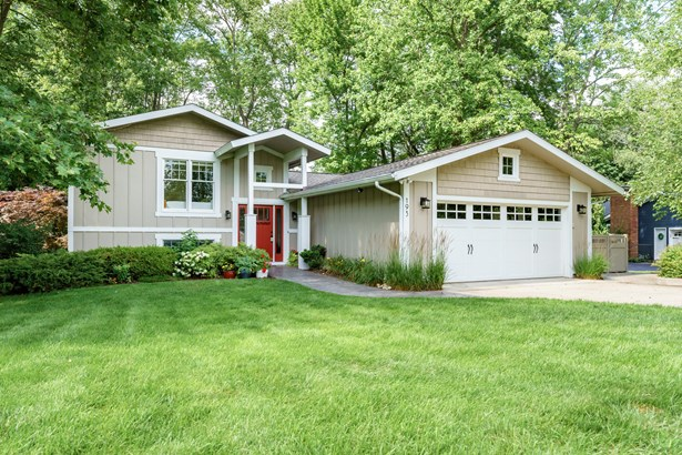 Single Family Residence, Quad Level - Plainwell, MI