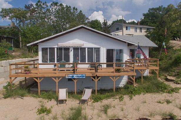 Single Family Residence, Ranch - Covert, MI