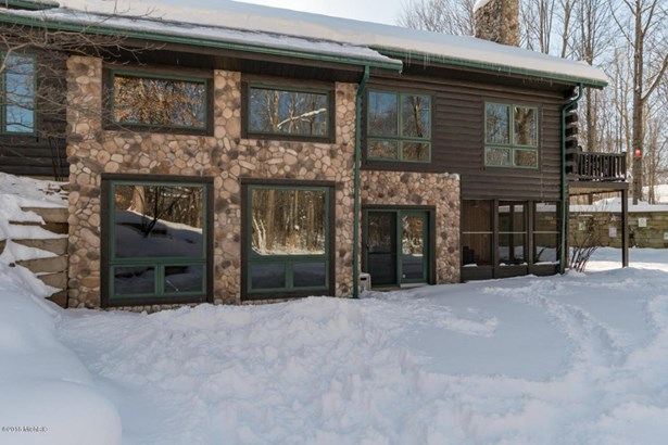 Single Family Residence, Log Home - Lawrence, MI (photo 2)