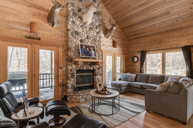 Single Family Residence, Log Home - Lawrence, MI (photo 5)
