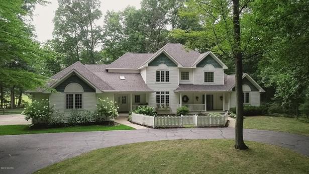 Single Family Residence, Traditional - Hickory Corners, MI