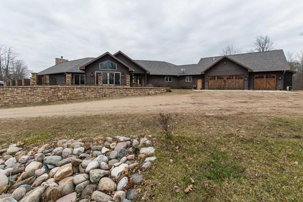 Single Family Residence, Contemporary - Battle Creek, MI (photo 1)