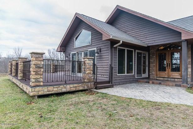 Single Family Residence, Contemporary - Battle Creek, MI (photo 3)